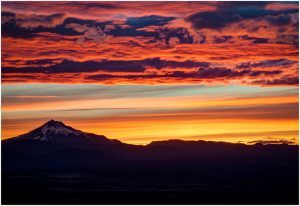 stunning cascade sunset views with earth tone clouds above